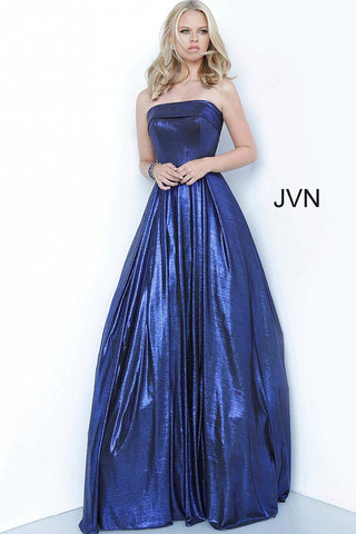 JVN 2392 by Jovani is a Prom Dress made with a stunning Metallic Shimmer Fabric. This strapless Ballgown Features a strapless straight neckline with a Lush Pleated Skirt with a sweeping train in the back. Simple & Elegant with a touch of Glam!