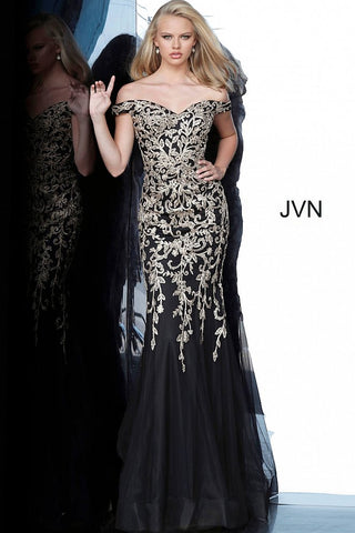 JVN by Jovani Style 3907 is a stunning off the shoulder mermaid gown with a sweetheart neckline and tulle skirt. Stunning floral details with embellishments. Stunning evening gown is great for prom & formal events!