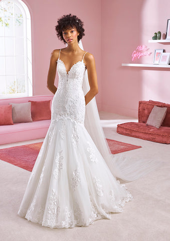 White One Bridal SHERYL Pronovias Wedding Dress Mermaid Lace Tulle Plunging Neckline