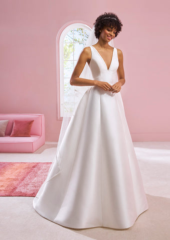 White One Bridal VANESSA Pronovias Wedding Dress Satin A Line V Neck Open Back Gown