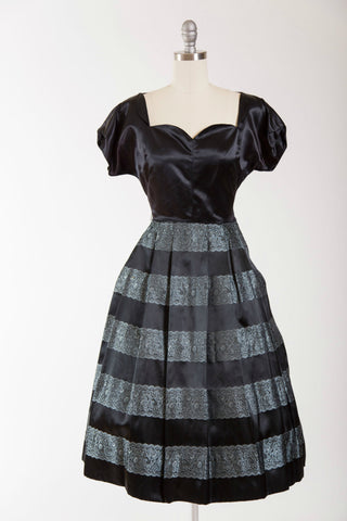 Sweetheart Chic Dress - Simply Vintage  - 1