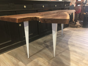 Maple crotch table