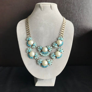 Floral Pearl Necklace in Mint