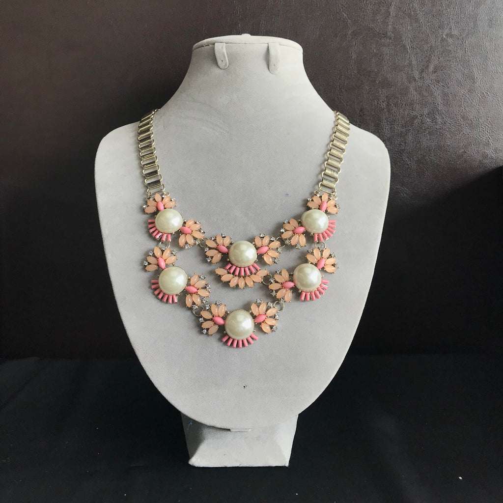 Floral Pearl Necklace in Peach Coral