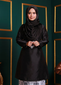 Kurung Pahang Top in Black