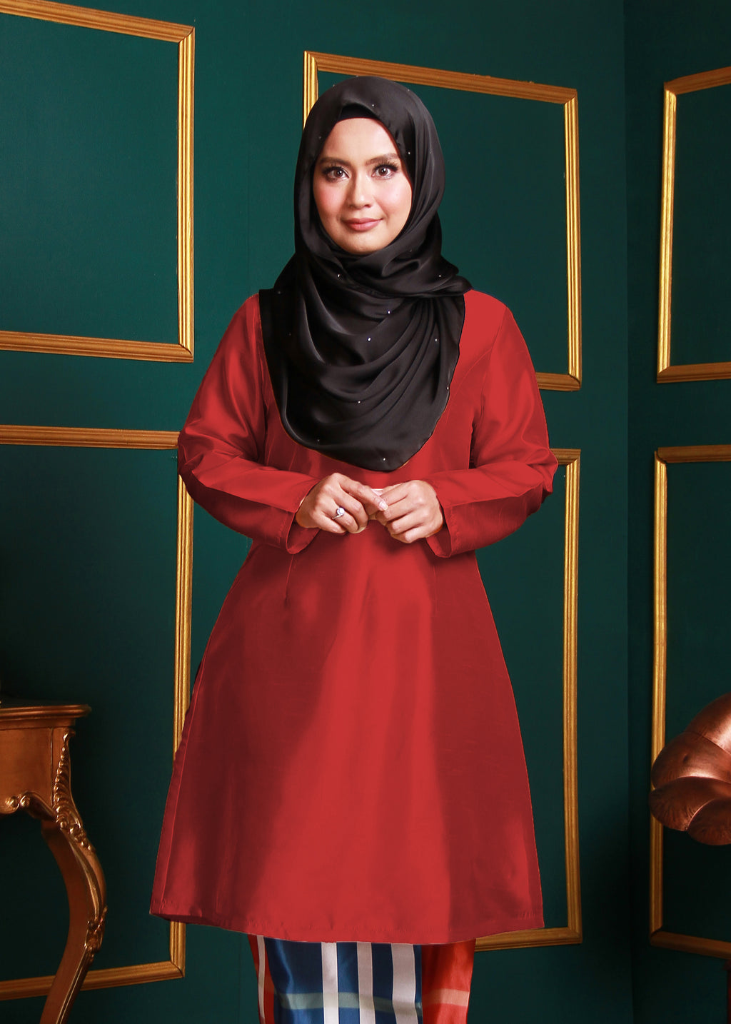 Kurung Pahang Top in Deep Red