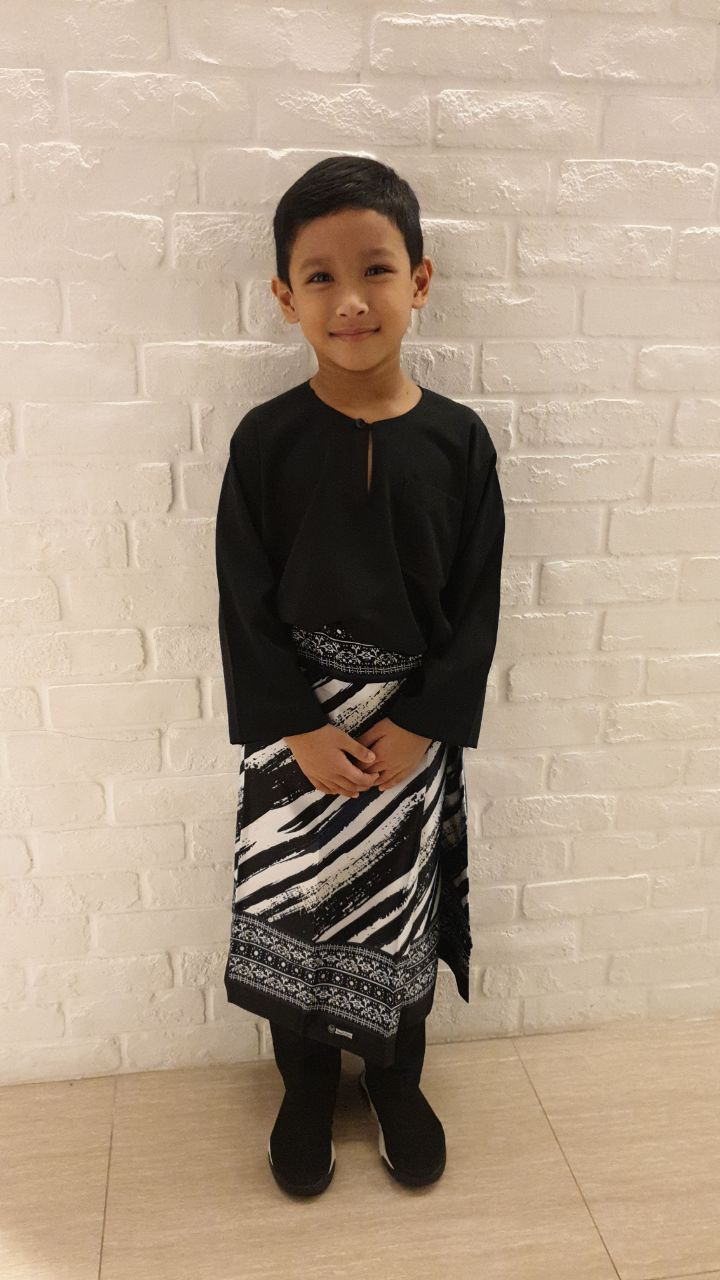 Stripes Boys Samping in Black & White