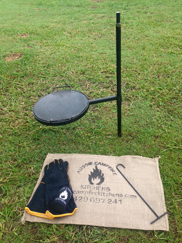 SWINGING GRILL, DROP IN HOT PLATE & GLOVES