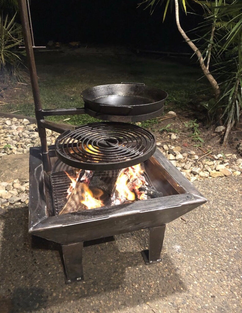 Backyard Fire Pit with Stabiliser, Swinging Grill, BBQ Pan & Cradle