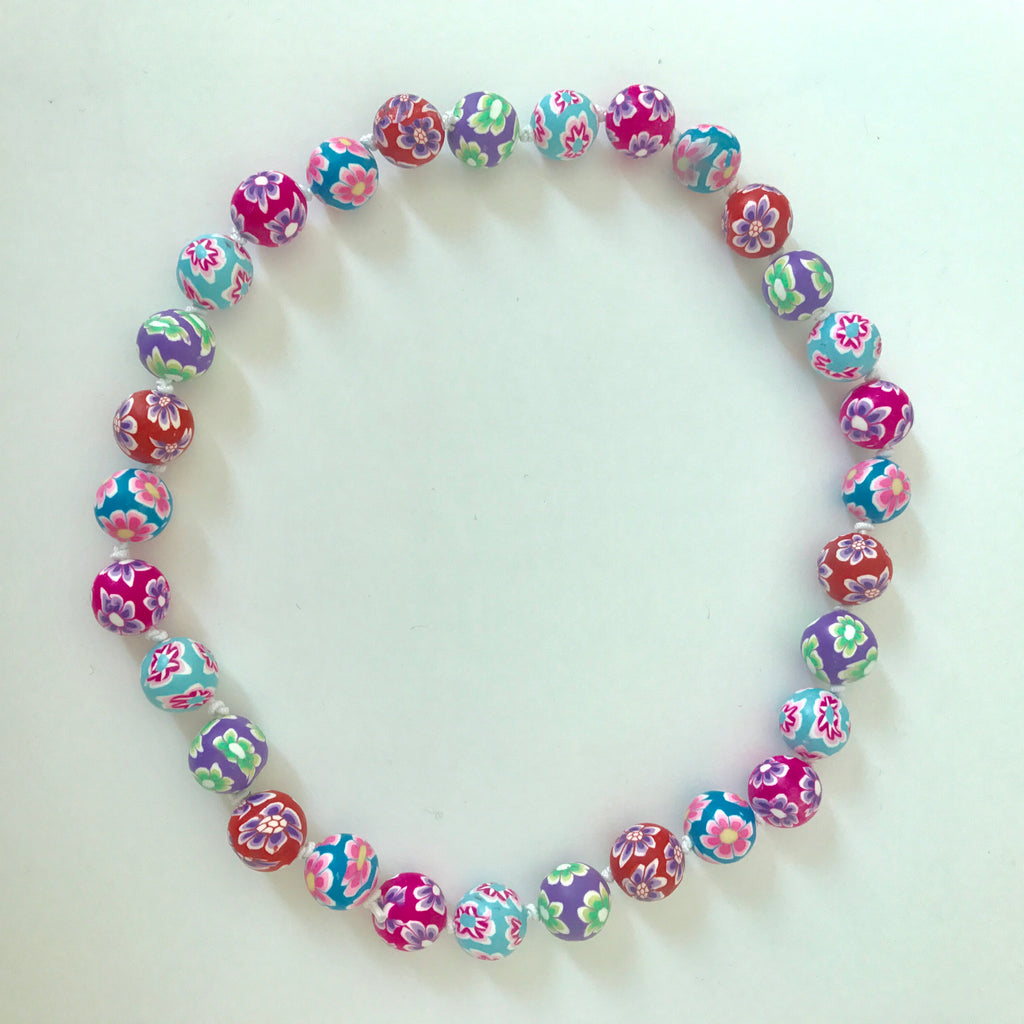 "NEW ""Oh so cute"" Necklace / beads"