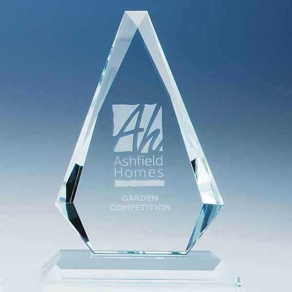 T5704P -   20.5cm x 13.5cm x 19mm Clear Glass Windsor Diamond Award - (Fully Engraved)