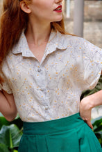 Load image into Gallery viewer, Minki Floral Cream Linen Blouse