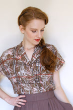 Load image into Gallery viewer, Marvellous Tiki Linen Blouse