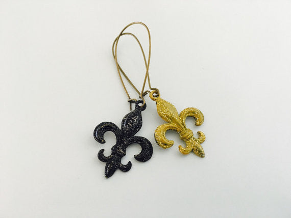 Saints Earrings, Fleur de Lis earrings, New Orleans, Black and Gold fleur de lis, football
