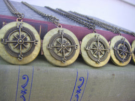 Bridesmaids Gifts Five Vintage Compass Locket Necklaces wedding party  5 Quantity