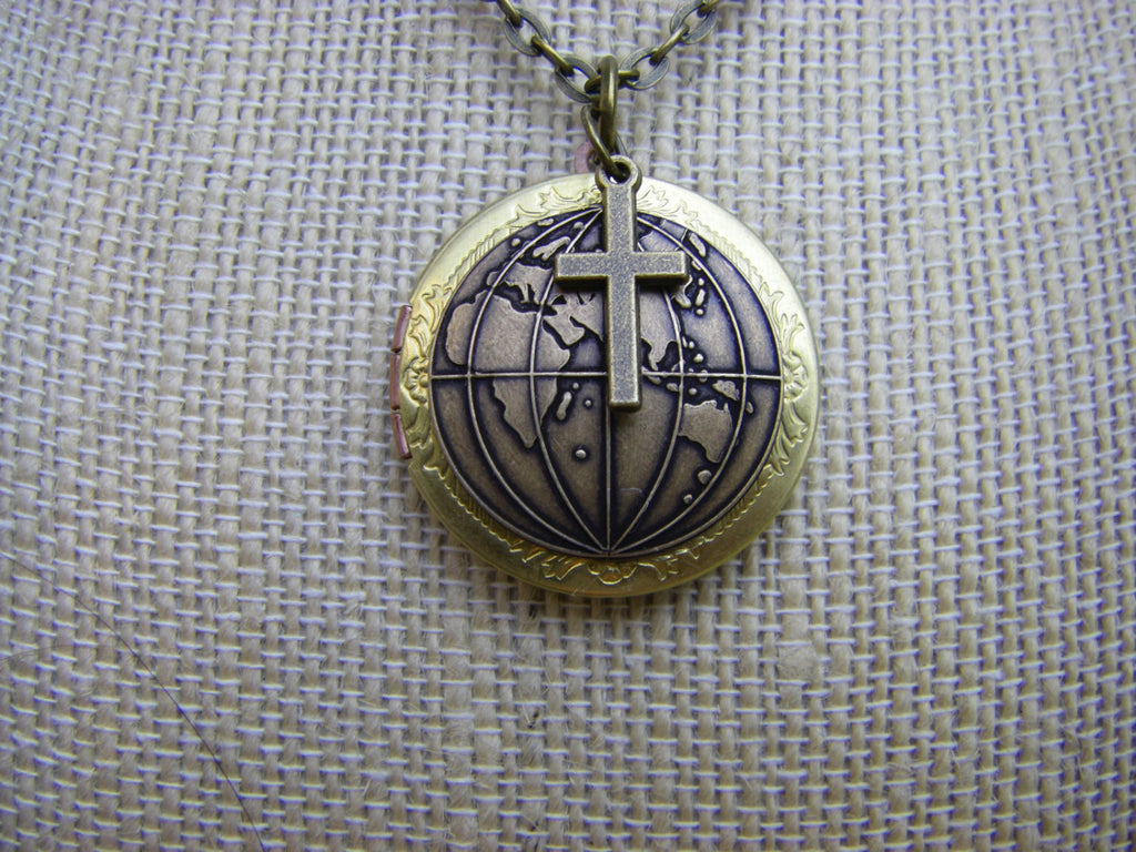 World Missions Global Locket Mark 16:15 go into all the world Gospel Locket Brass Quote inside