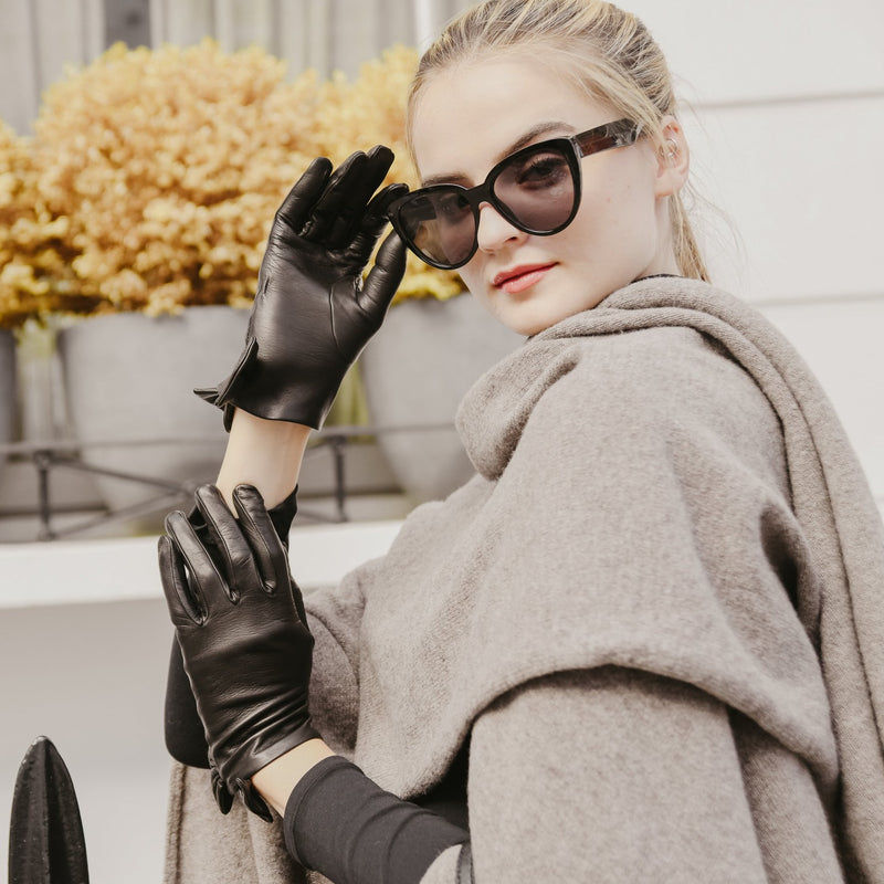Fleur | Leather glove with Bow Trim