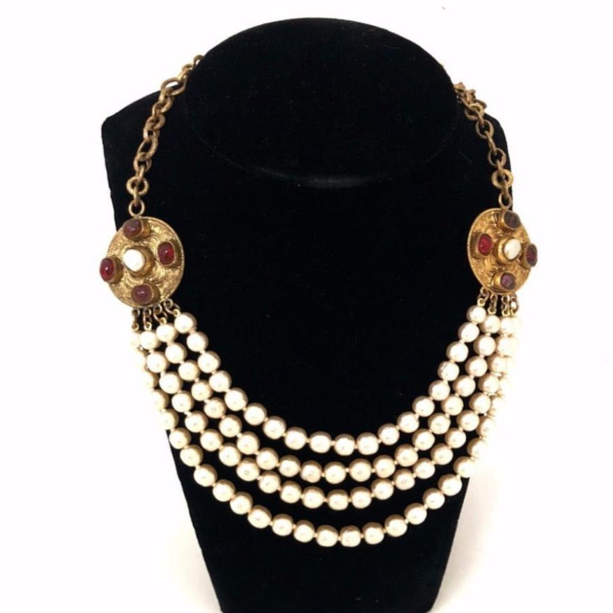 vintage chane 1984 necklace with pearls and medallions