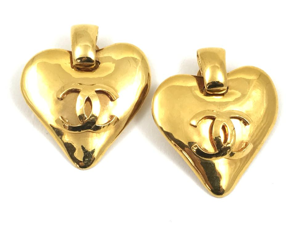 chanel heart shaped earrings