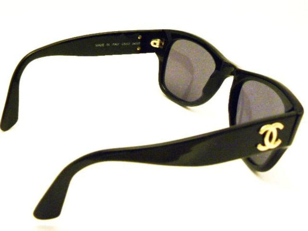 chanel vintage black wayfarer sunglasses