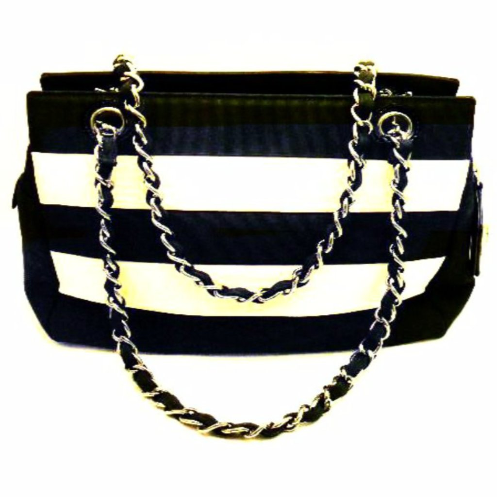 chanel handbag in black and white fabric