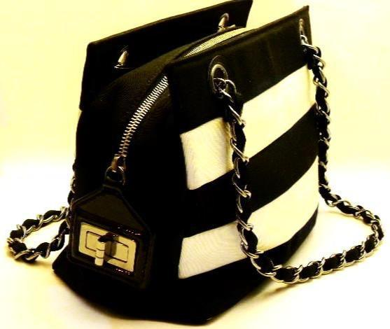 chanel handbag in black and white - side