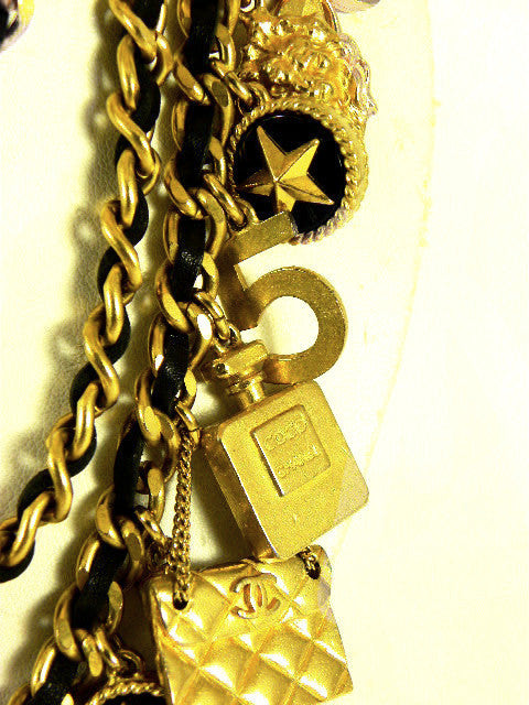 vintage chanel multi charm necklace/belt closeup
