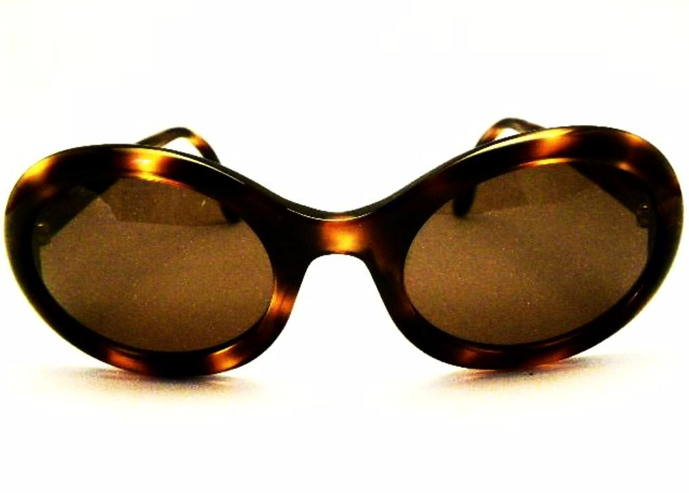 vintage chanel sunglasses in tortoiseshell