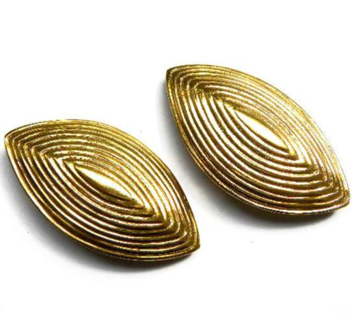 YSL etched oval necklace set earrings