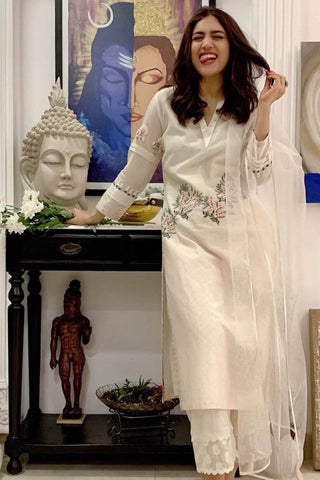 Bhumi Pednekar In Off-White Chanderi Kurta with Shantoon Pallazo