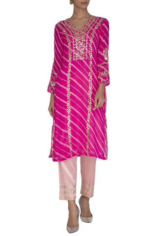 Fuschia Leheriya Kurta with Slim Pants - devnaagri