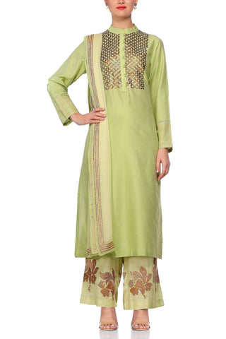 Green Kurta with Metal Embroidery Set - devnaagri