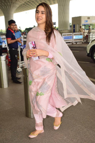 Sara Ali Khan In Light Pink Chanderi Kurta With Pants