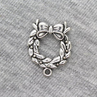 Charms, Christmas Wreath with Ribbon, Silver, Alloy, 25mm X 19mm, Sold Per pkg of 3
