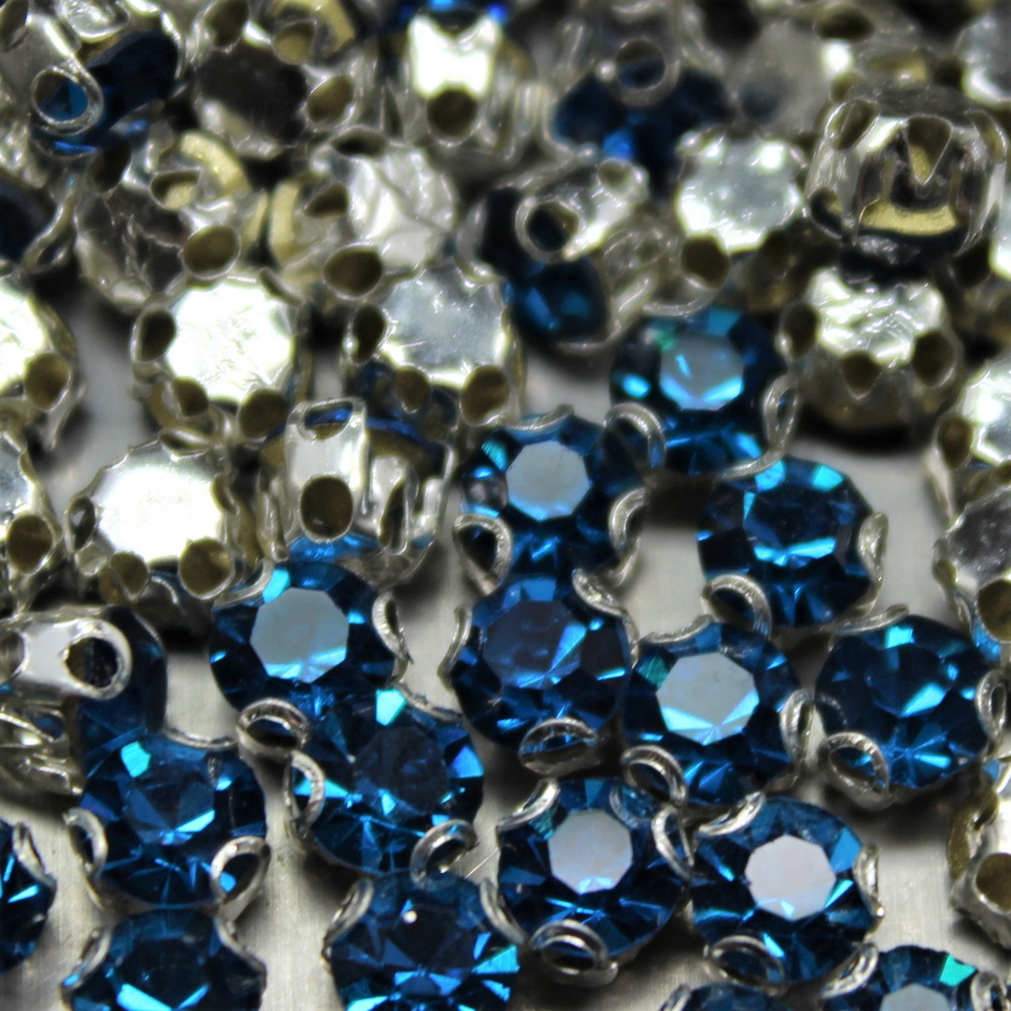Chaton Montees, SS-14, Alloy, Blue Zircon, 4mm x 4mm, Sold per pkg of 60