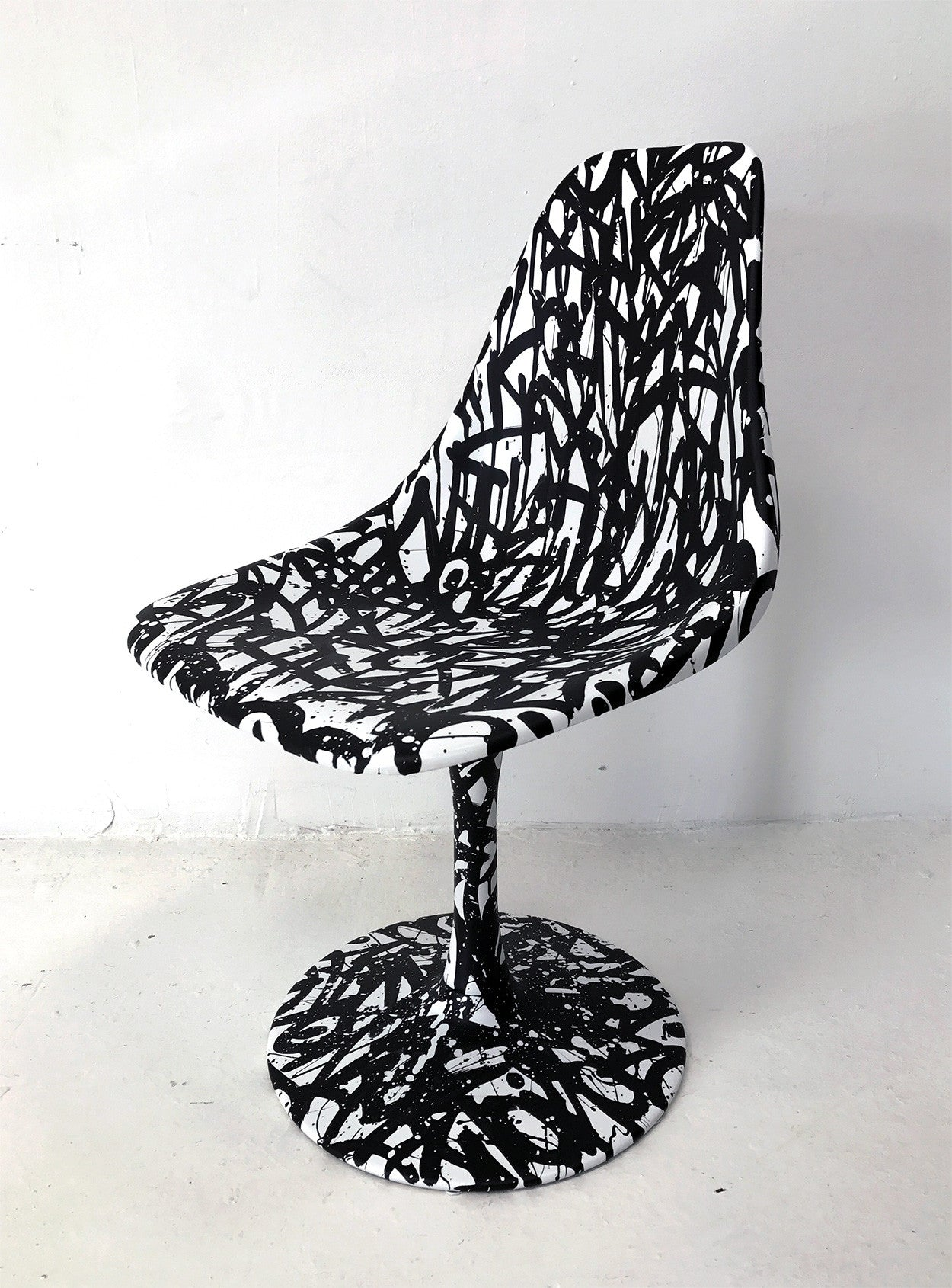 Writers Chair - 20 x 20 x 40 - Bisco Smith