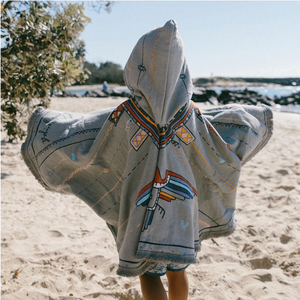 THE BEACH PEOPLE Petite Poncho | The Eagle