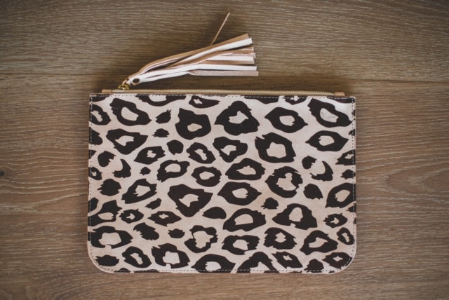 ALOLA MAUI Cheetah Dreams Leather Clutch | Blush
