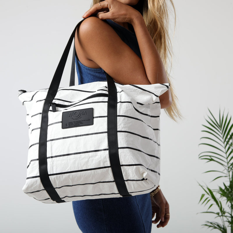 ALOHA COLLECTION Pinstripe Zipper Tote