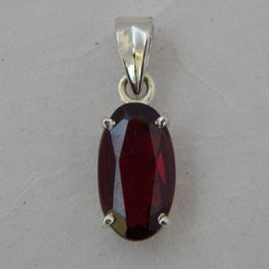 Faceted Garnet Pendant - 17mm