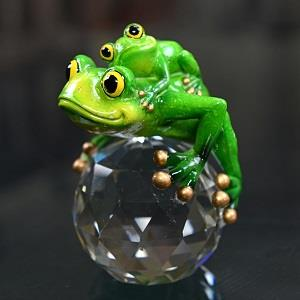 Frog and Baby Frog on Crystal
