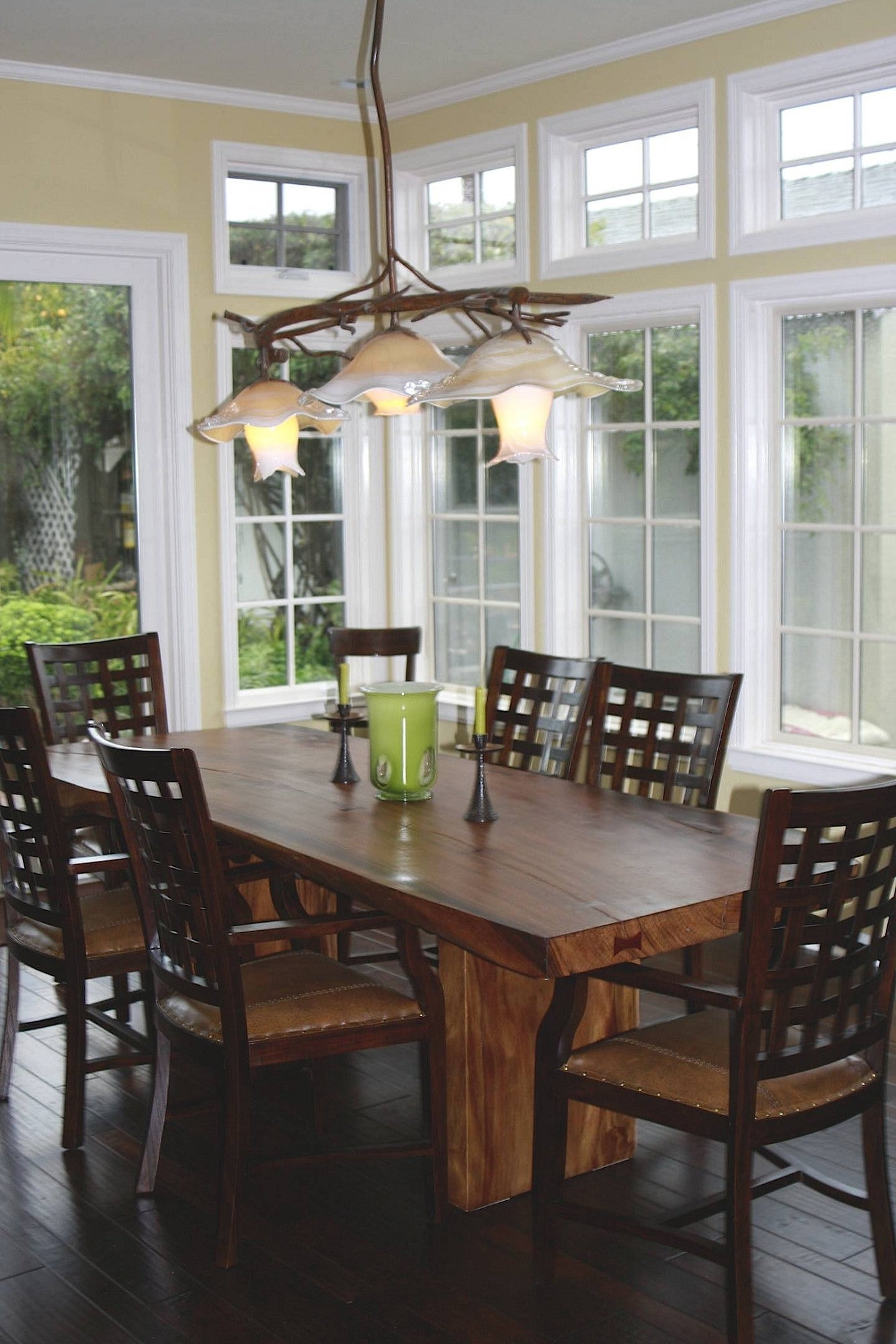 Wonderful Home in Santa Barbara- Free Edge Dining Table