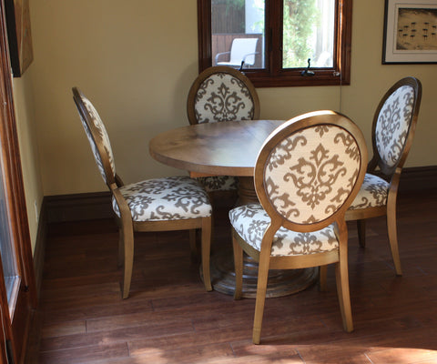 traditional interior style kitchen table and chairs