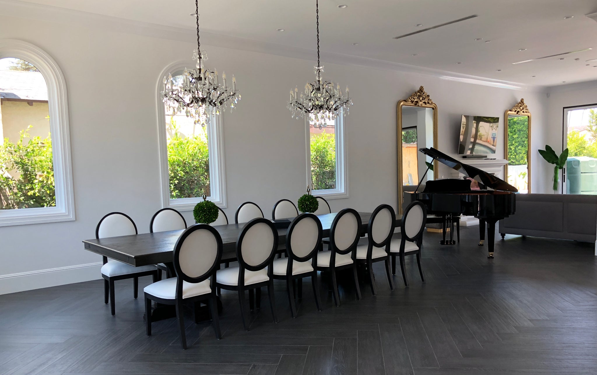Classic Los Angeles Dining Room