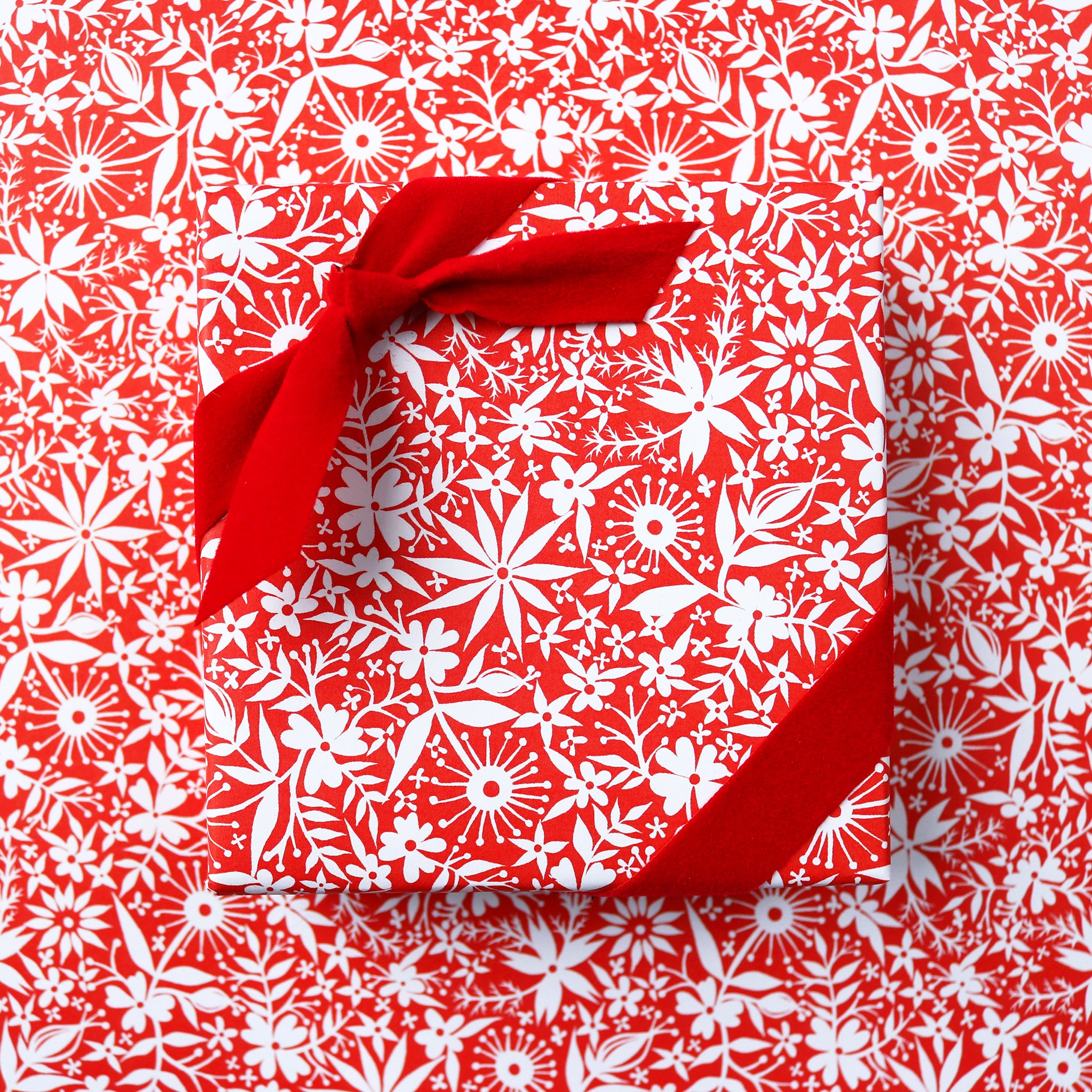 Red and White Floral | Gift Wrap - 3 Sheets