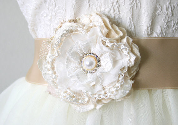 lace flower pin with pearl rhinestone button
