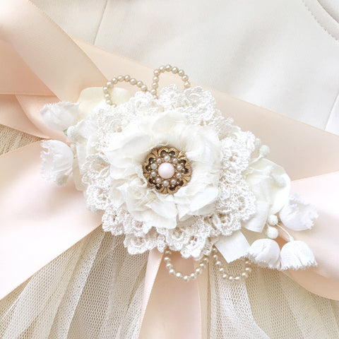 Lace Flower Bridal Sash ~ Ivory White