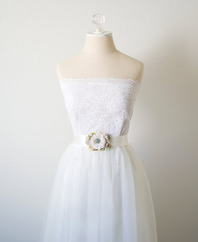 wedding dress belt with flowers