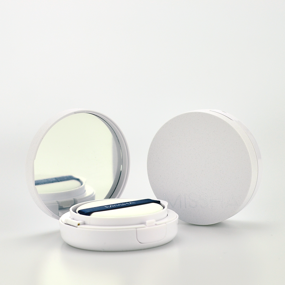 MISSHA Magic Cushion Moist Up No.21 -- Shop Korean Japanese Taiwanese Skincare in Canada & USA at Chuusi.ca