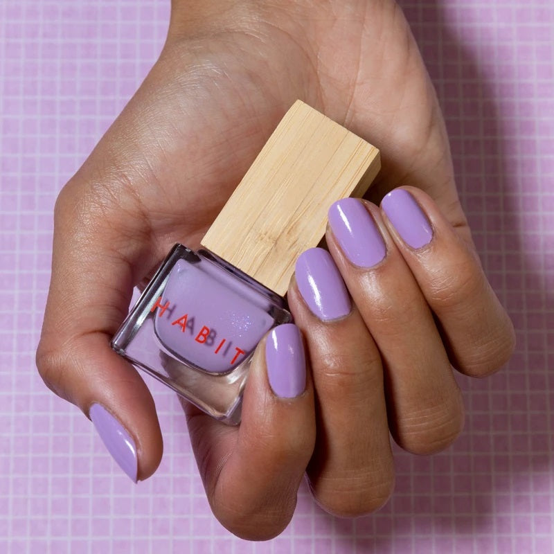 Lilac coloured nails. The nail polish is from Habit Cosmetics and the color is one of their new Sprin/Summer 2021 colors.